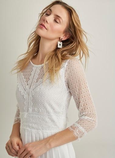 NGSTYLE Dantelli Piliseli Elbise Beyaz